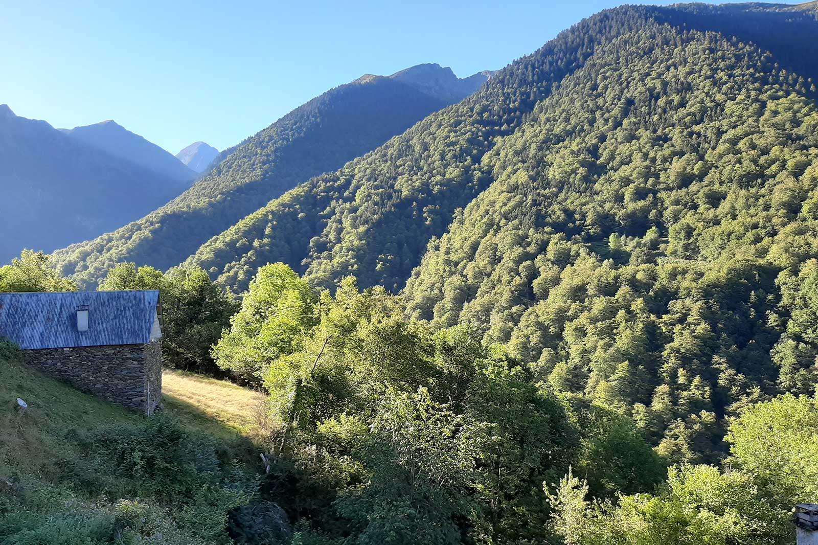 Road Trip vers les Pyrénées à travers les routes des cols et une nuit inoubliable à La Safranada